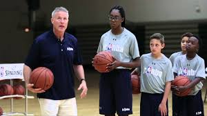 Brett Brown Shows How to Score on Offense